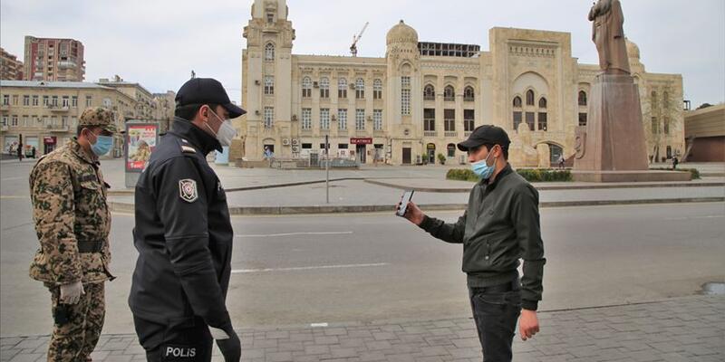Azerbaycan'da 31 Mayıs'ta maske kullanım zorunluluğu kalkıyor