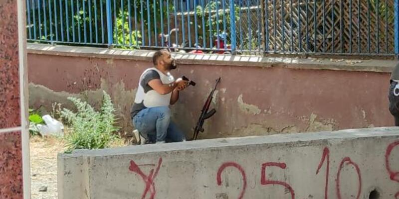 Karakol bahçesinde tüfekle ateş açan şüpheliye gözaltı