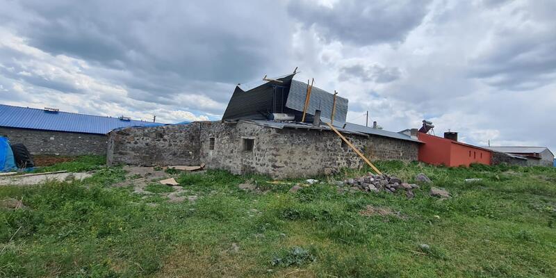 Kars'taki şiddetli fırtınada ev ve iş yerleri hasar görenlere devlet desteği
