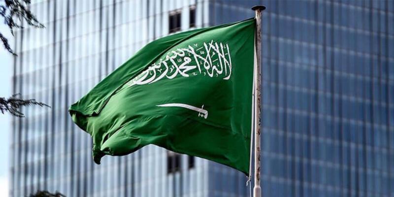 Suudi Arabistan 11 ülke için seyahat yasağı kararını kaldırdı