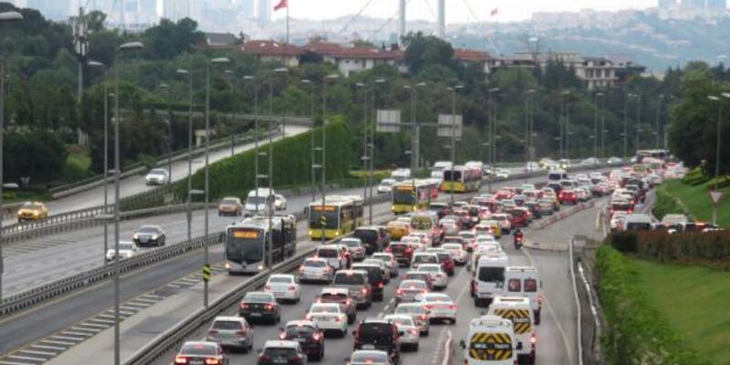 Kısıtlama sonrası trafik yoğunluğu yaşandı