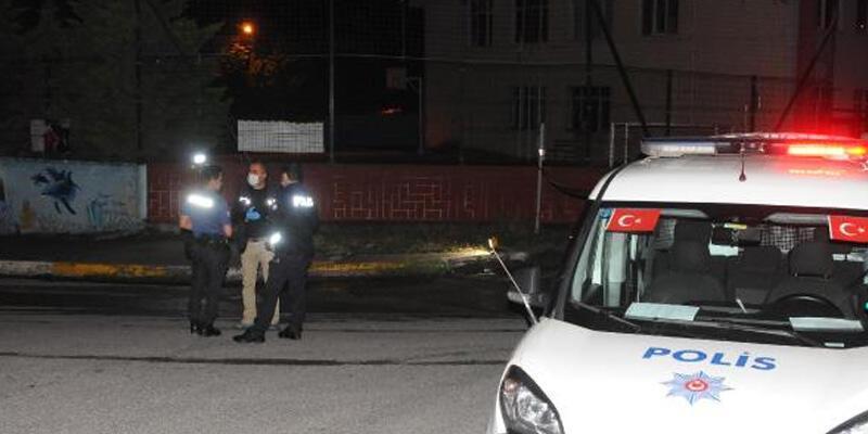 Kaza tutanağı için buluşan iki grup, anlaşamayınca bıçakla kavga etti: 4 yaralı