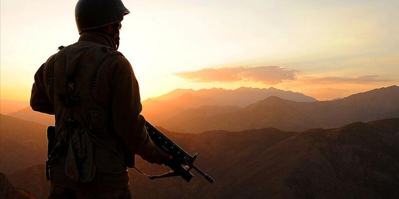 Son dakika...Teröristler roketle saldırdı: 3 PKK'lı terörist etkisiz hale getirildi