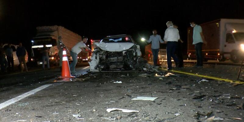Diyarbakır'da 'hatalı sollama' kazası: 4'ü ağır 6 yaralı