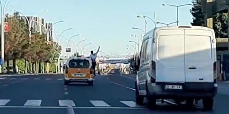 Taksiyle tehlikeli yolculuk kamerada