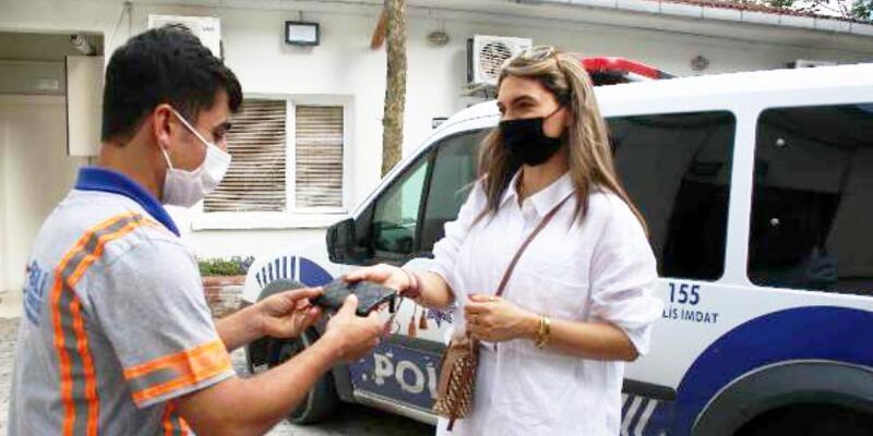 Şişli'de temizlik işçisi kaldırımda bulduğu 1500 euroyu sahibine ulaştırdı