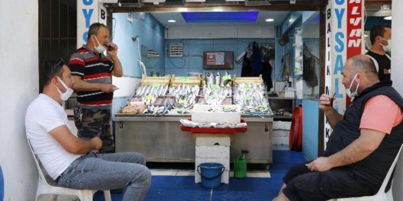 Deniz salyası nedeniyle balık satışları düştü