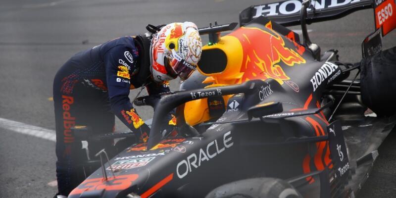Max Verstappen kaza yaptı