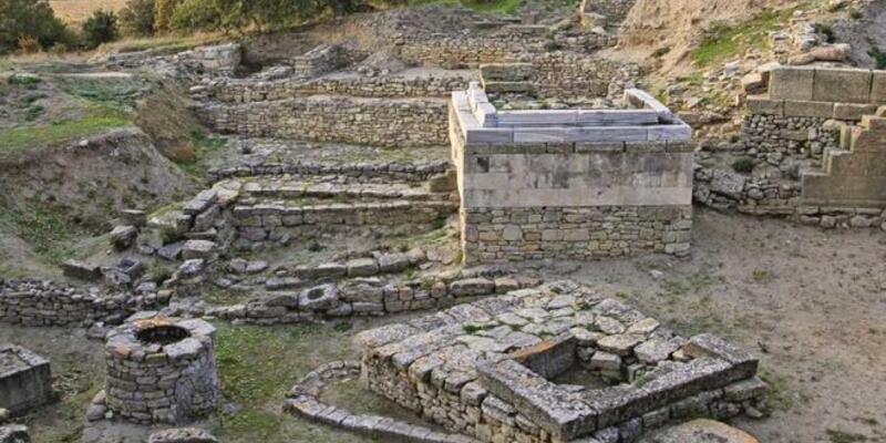 Truva Antik Kenti Nerede? Truva Antik Kenti'ne Nasıl Gidilir? Truva Tarihi Ve Özellikleri...
