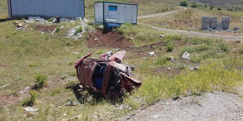 Traktörle çarpışan otomobildeki 4 kişi yaralandı