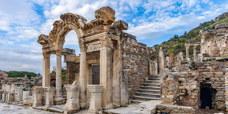 Efes Antik Kenti Nerede? Efes Antik Kenti'ne Nasıl Gidilir? Efes Tarihi Ve Özellikleri...