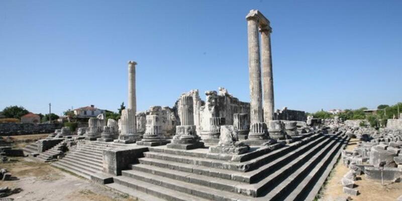 Apollon Tapınağı Nerede, Nasıl Gidilir? Apollon Tapınağı Tarihi Ve Özellikleri...
