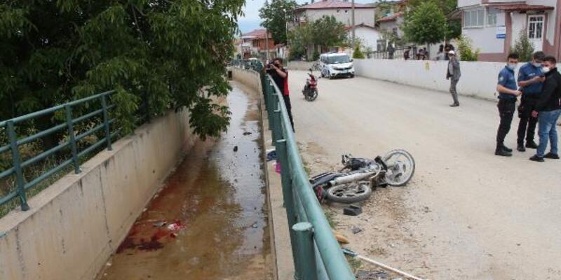Kanala düşen motosikletin sürücüsü hayatını kaybetti
