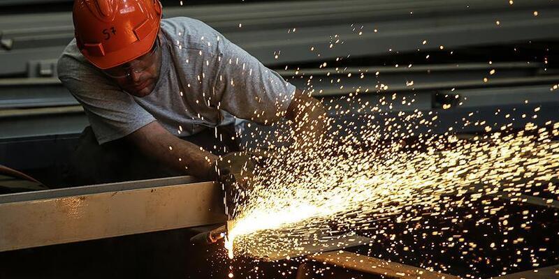 Sanayi üretimi Nisan'da yıllık yüzde 66 yükseldi