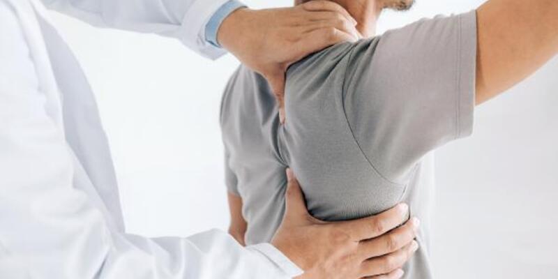 Bu ağrıların yüzde 60'ının nedeni omuz sıkışması