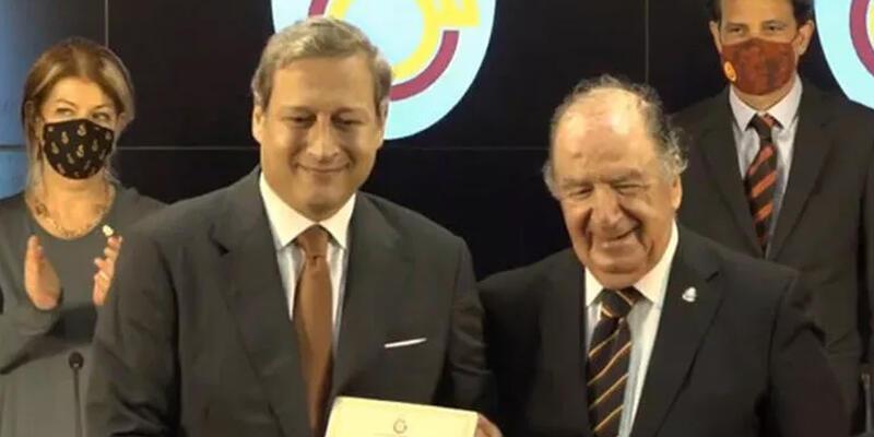 Son dakika... Galatasaray Başkanı Burak Elmas mazbatasını aldı