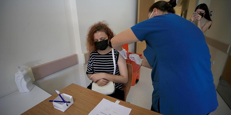 Sağlık Bakanı Koca'dan 'aşı' çağrısı