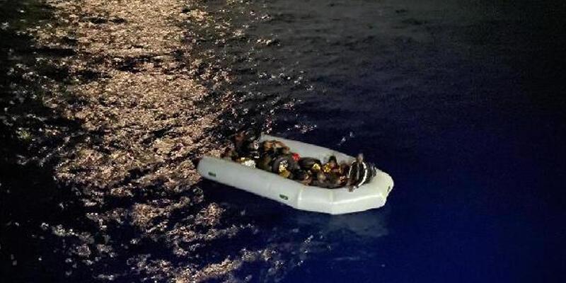 Marmaris'te 16 kaçak göçmen kurtarıldı
