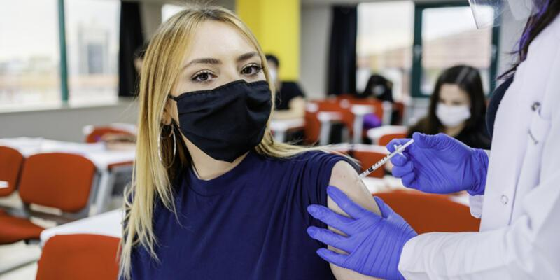 18 yaş aşı oluyor mu? Aşı randevusu alma MHRS | 18 yaş aşı olabilir mi?