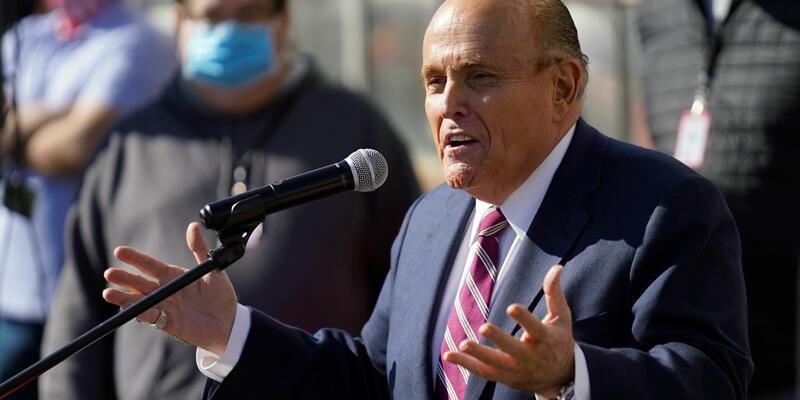 New York Yüksek Mahkemesi, Trump'ın avukatı Giuliani'nin lisansını askıya aldı