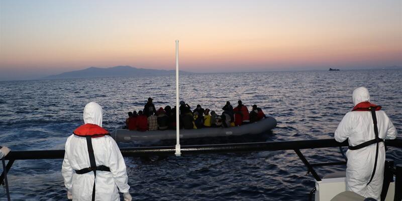 İzmir açıklarında 32 sığınmacı kurtarıldı