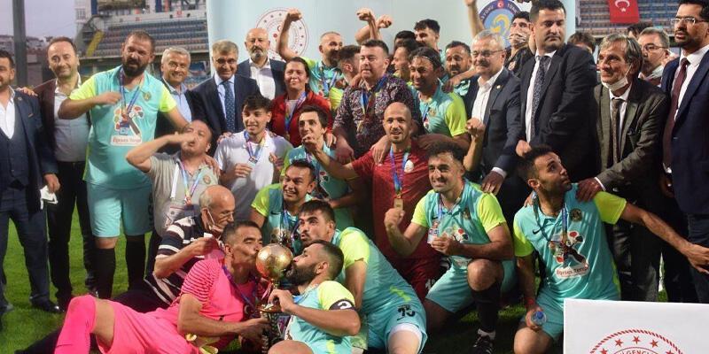 İşitme Engelliler Futbol Süper Ligi'nde Şampiyon Karşıyaka