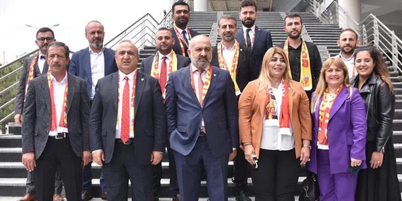 Son dakika... Kayserispor'da Berna Gözbaşı yeniden başkan seçildi