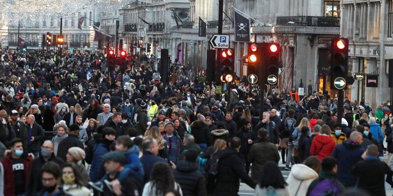 İngiltere'de son 149 günün en yüksek vaka sayısı görüldü