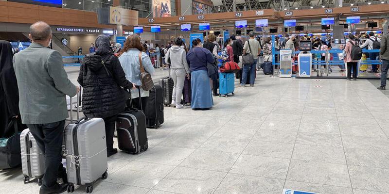 İstanbul Havalimanı 3 günde 100 binin üzerinde yolcuya ev sahipliği yaptı