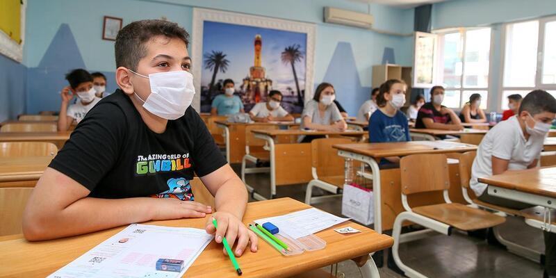 MEB son dakika... Okullar tatil mi 2021? Bazı dersliklerde eğitime ara verildi!