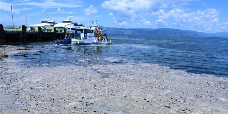 Marmara Denizi'nden 10 bin 664 metreküp müsilaj temizlendi