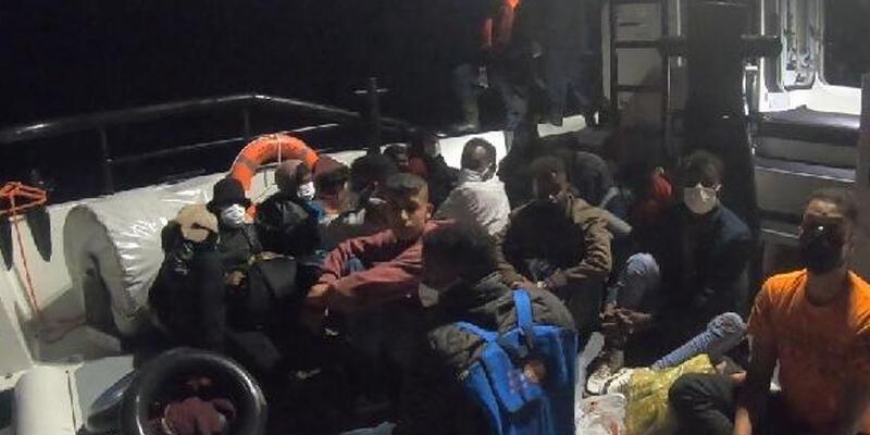 İzmir açıklarında 58 kaçak göçmen kurtarıldı