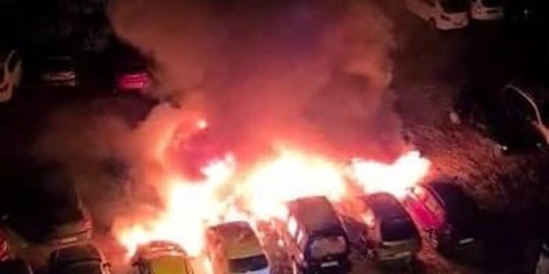 Otoparkta çıkan yangında 12 araç kül oldu
