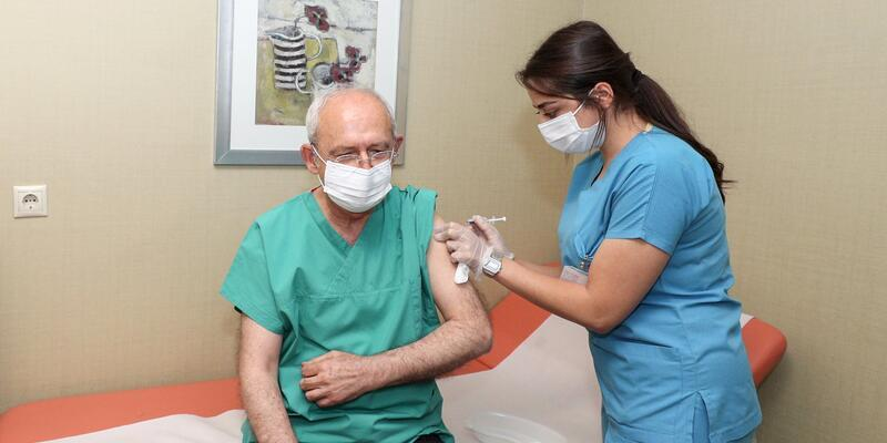 Kılıçdaroğlu, 3'üncü doz Kovid-19 aşısını yaptırdığını duyurdu