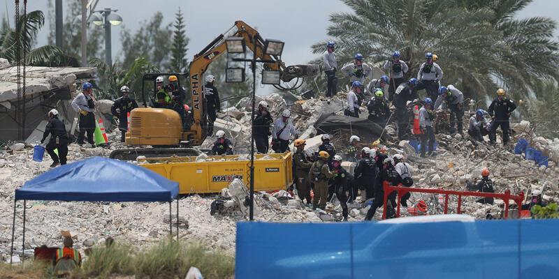 Miami'de çöken 13 katlı binada can kaybı 64 oldu