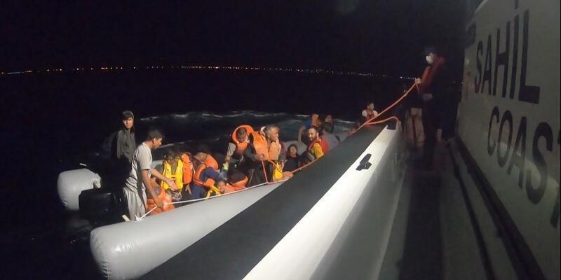 Ayvalık açıklarında 42 sığınmacı kurtarıldı