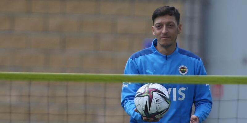 Mesut Özil'den Vitor Pereira sözleri