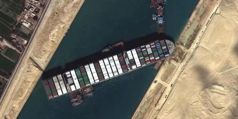 Süveyş Kanalı, tarihinin en yüksek gelirini elde etti