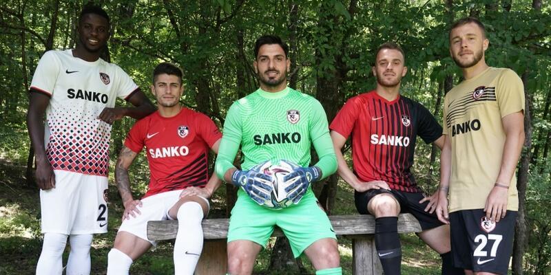 Gaziantep FK yeni formalarını tanıttı