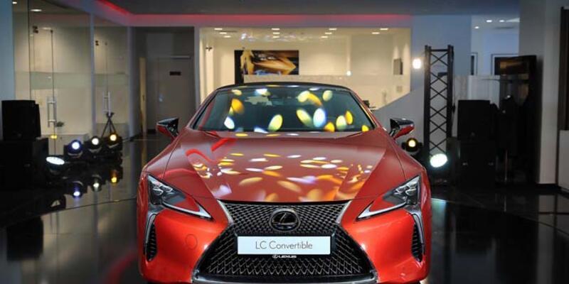Üstü açık Lexus 3.9 milyon TL'den yola çıkıyor