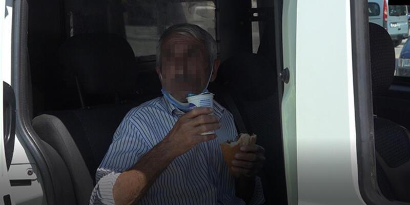 Tacizden gözaltına alındı, elindeki döner ayranı bırakmadı