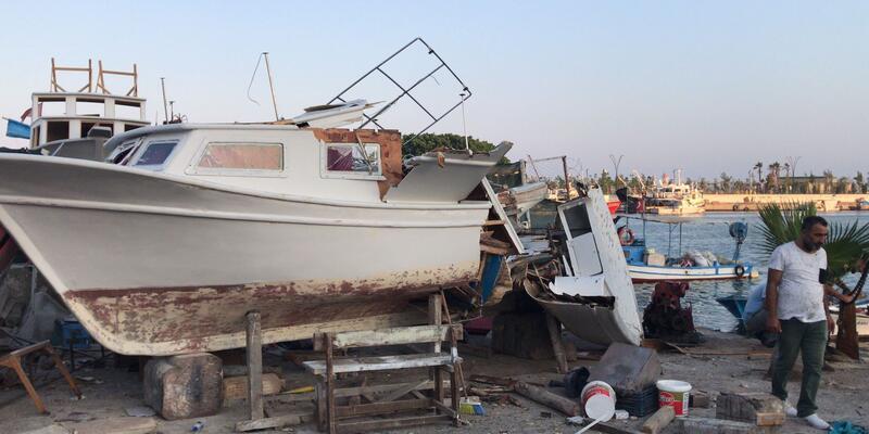 Mersin'de vincin devrilmesi sonucu 1 tekne battı