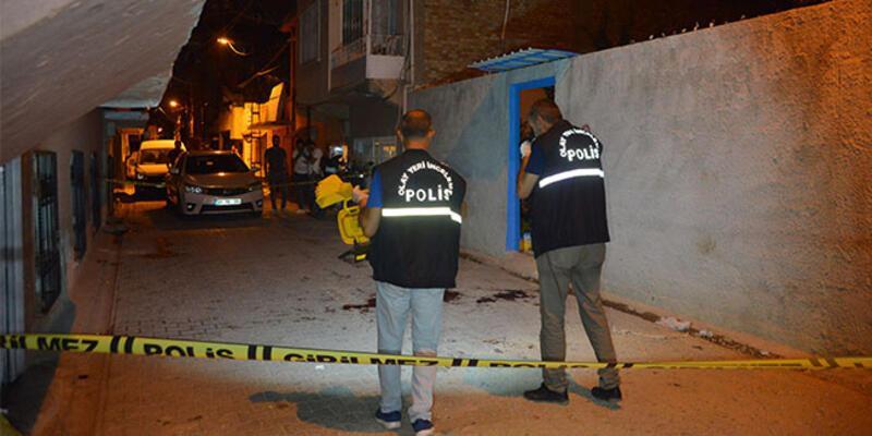Adana'da sokak ortasında silahlar çekildi: Yaralılar var