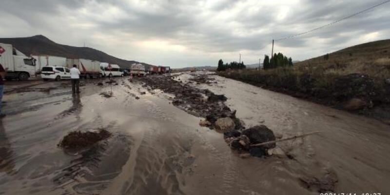 Doğubayazıt'ta metrekareye 22 kilogram yağış düştü