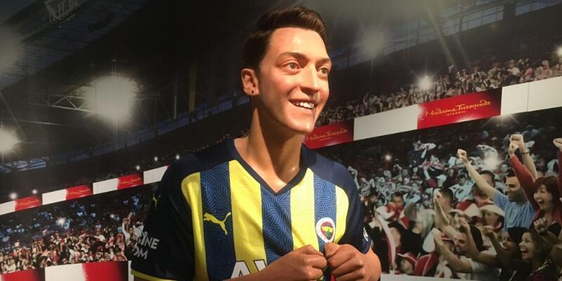 Mesut Özil'in balmumu heykeli İstanbul'a getirildi