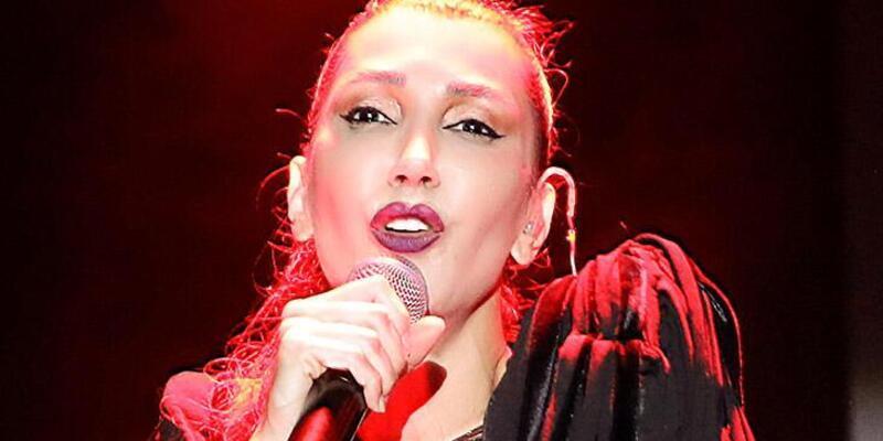 Hande Yener'i Kıbrıs'ta dokuz bin kişi dinledi