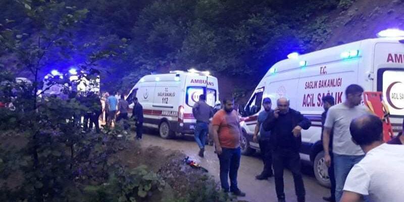 Yolcu minibüsü şarampole devrildi: 1 ölü, 10 yaralı