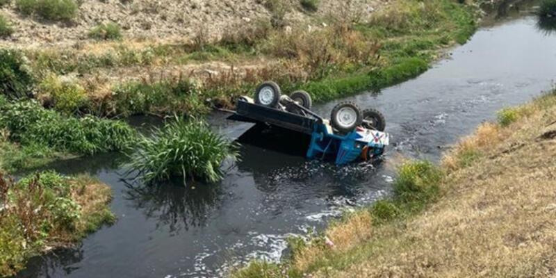 Afyonkarahisar'da tarım aracı devrildi: 1 ölü, 1 yaralı