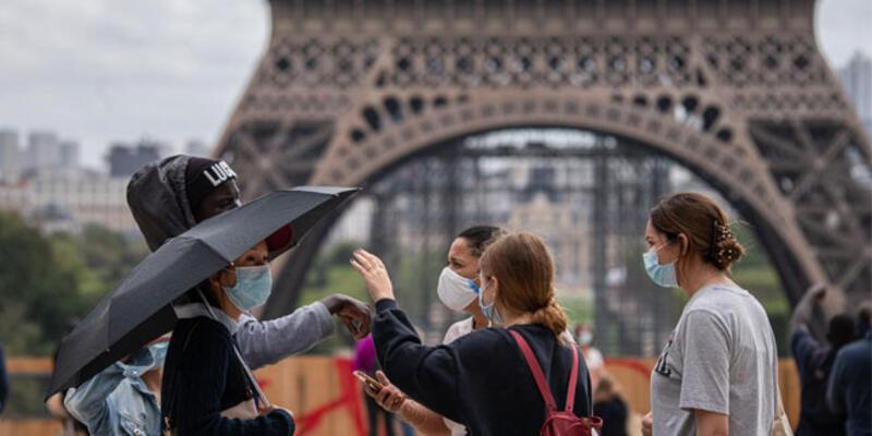 Fransa'da son 24 saatte 27 bin 934 Kovid-19 vakası tespit edildi