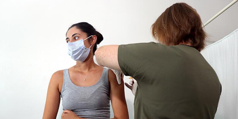 SON DAKİKA: Türkiye'de uygulanan aşı miktarı 70 milyon dozu geçti